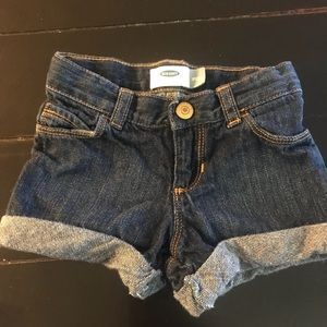 3T old Navy girls jean shorts.